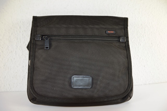 tumi messenger bag sport beutel outdoor tasche mikrofaser tasche schwarz neu ebay. Black Bedroom Furniture Sets. Home Design Ideas